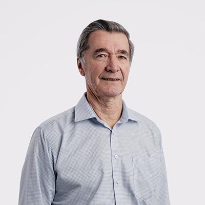 Dr Michael Yates